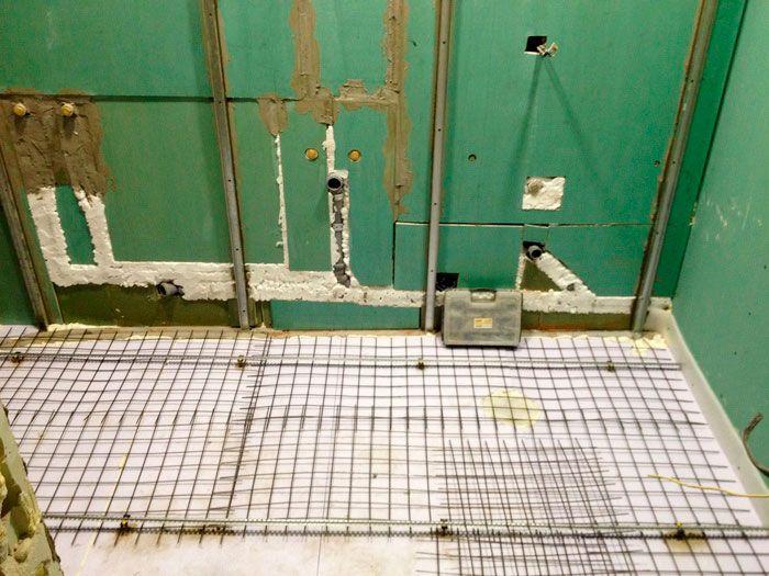 Заглушка для труб при ремонте ванной